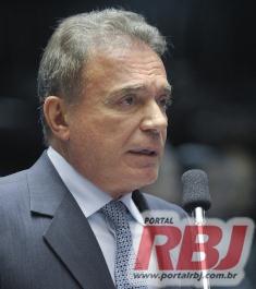 RBJ - Para Alvaro Dias, o único fator positivo no Brasil é que o Governo do PT está acabando