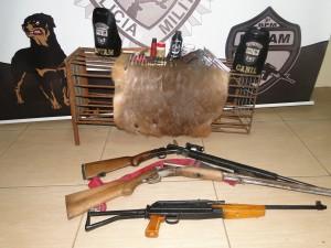 Armas encontradas em fazenda
