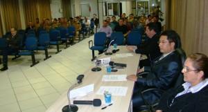 Vereadores durante votação do projeto.