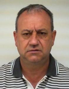 """Valdecir Savenhago ou """"Nico Savenhago"""", é procurado pela polícia."""