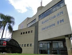 Rádio Club transmite o debate a partir das 21h30