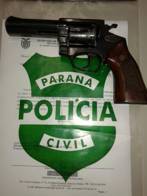 Revólver usado no crime foi apreendido. Foto: Evandro Artuzi