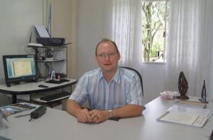 Padre Valdecir Bressani, diretor do Instituto de Filosofia Sapientia. Foto: reprodução facebook