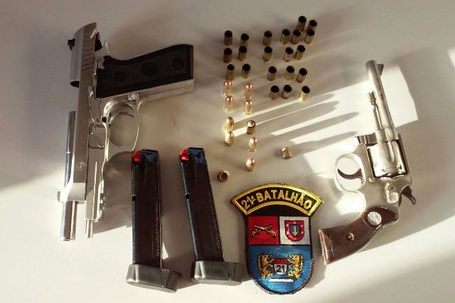 Armas apreendidas com o acusados pelos disparos. Foto: Evandro Artuzi