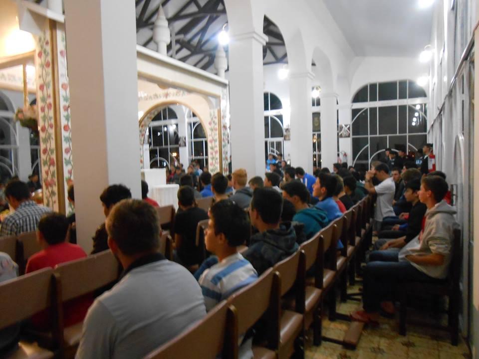 Oração no Santuário Nossa Senhora de Fátima
