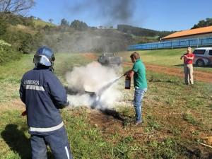 O grupo também aprendeu na prática como proceder. Foto: Assessoria