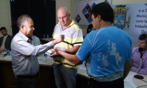 Vereadores durante sorteio para escolha dos membros da comissão. Foto: Evandro Artuzi/RBJ
