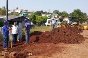 Vice-prefeito Ivani Pilatti acompanhou o início das obras. Foto: Assessoria