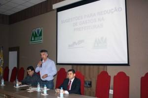 Altair Gasparetto (Pres. da Amsop) pediu apoio dos prefeitos da região. Crédito da foto: Assessoria