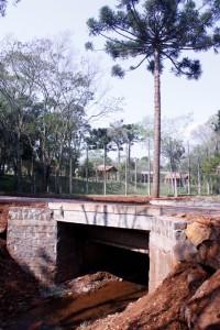 Ponte nova na gruta tem 7 metros de largura. Foto: Assessoria