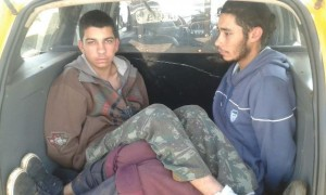 Evandro de Lima, 22 anos; e Welsey Gois de Quadros Cellaris, 18 anos, acusados de tentar resgatar os foragidos. Foto: Polícia Militar