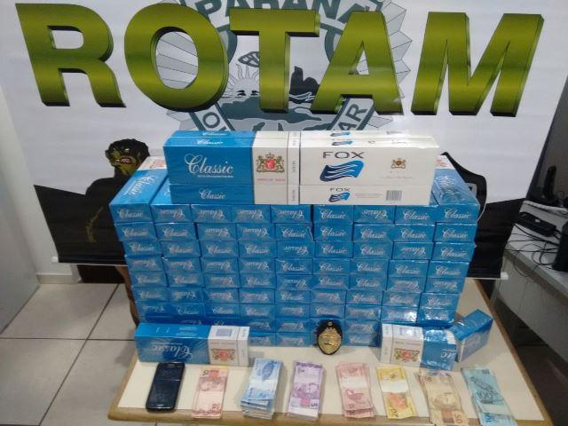 Cigarro e dinheiro encontrados após denúncias anônimas. Foto: Polícia Militar
