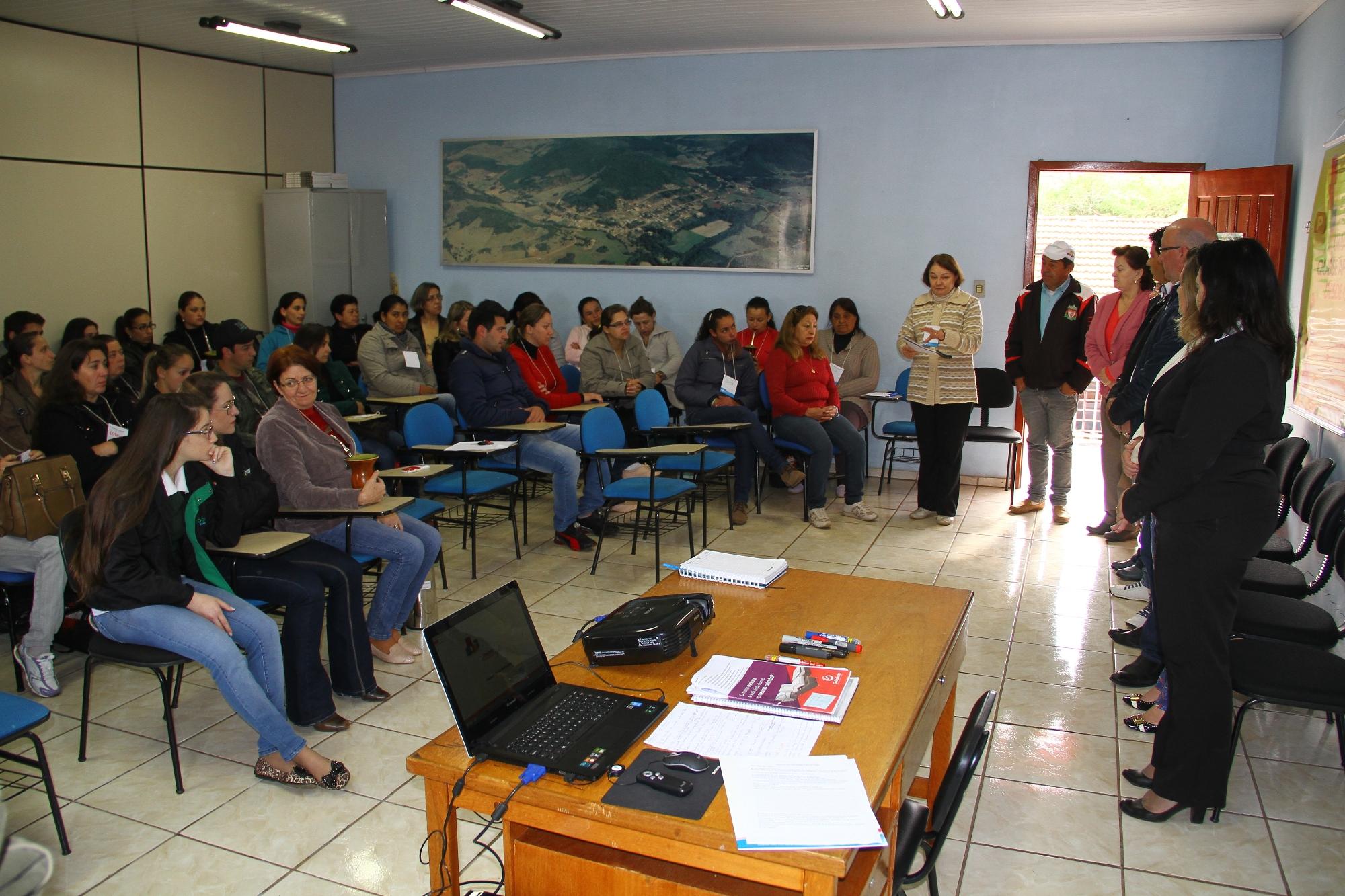 Projeto vai estimular mais de 500 alunos ao empreendedorismo em Passos Maia2