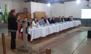Assim como os demais, Lurdes Pazzini (PMDB) fez uso da Tribuna. Foto: Evandro Artuzi/RBJ