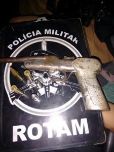 Garrucha calibre 38 usada para cometer o assalto. Foto: Polícia Militar