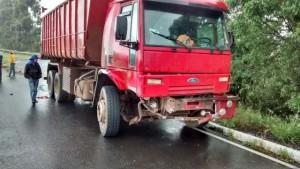 Caminhão envolvido no acidente. Foto: Maikiel da Silva