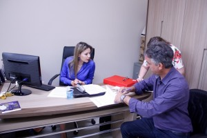 Altair Gasparetto, presidente da Amsop, durante assinatura do termo. Foto de divulgação
