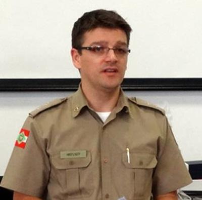 Tenente Deibber, comanda da PM em Dionísio Cerqueira (SC). Foto de divulgação