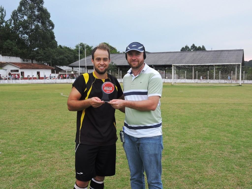 Jogador Claudimar da equipe do 25 de Julho/Bugre Alto eleito o Craque da Rodada Difusora.