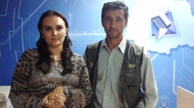 Repórter Patricia Sonsin e o repórter cinematográfico Davi Ferreira, profissionais feitos reféns pelo MST. Foto: Reprodução TV Tarobá