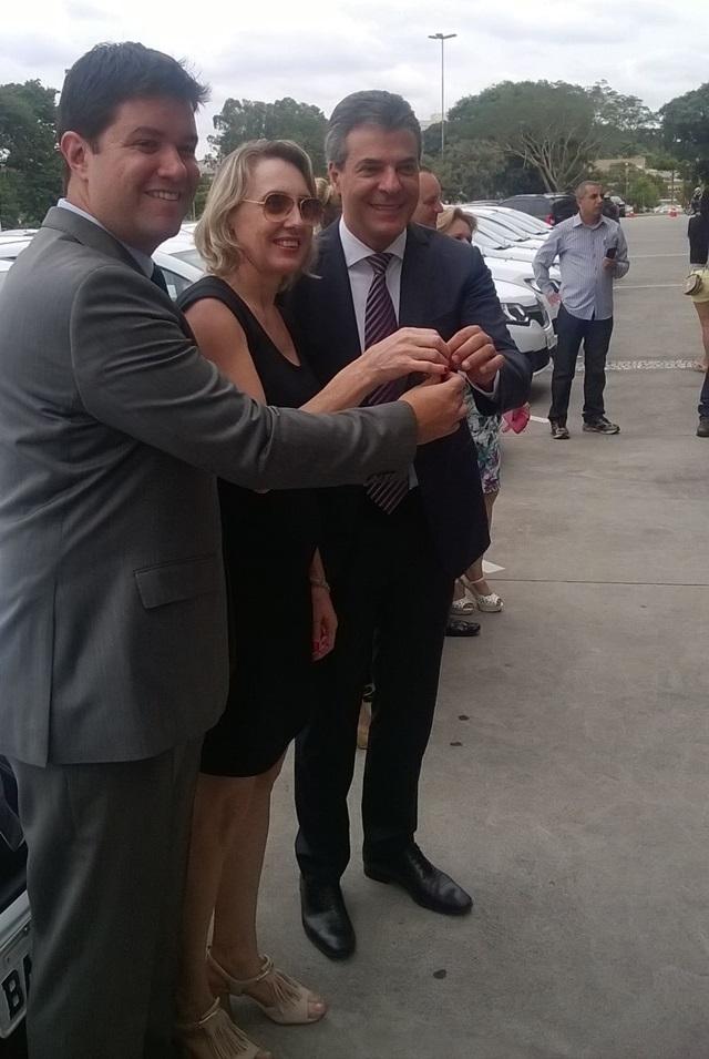 Deputado Guto Silva (PSC), Escrivã Silvana Savi (Pato Branco) e governador Beto Richa. Foto: Assessoria