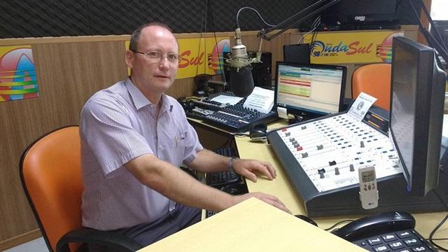 Padre Valdecir Bressani será o apresentador do programa. Foto de divulgação