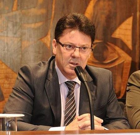 Nelson Luersen, deputado estadual (PDT). Foto de divulgação