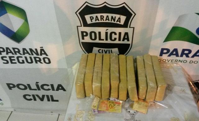 Tabletes da droga estavam na mochila de um adolescente de 15 anos, que veio de Foz do Iguaçu. Foto: Polícia Civil