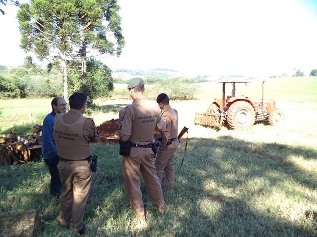 Policiais visitam propriedades e conversam com agricultores. Foto: Comunicação Social 21º BPM