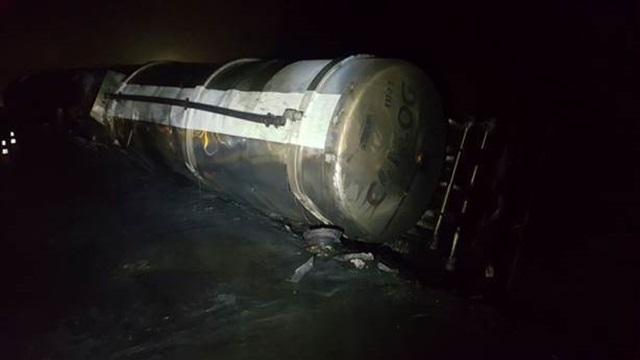 Caminhão tanque que causou o acidente. Foto: João Carlos Frigério