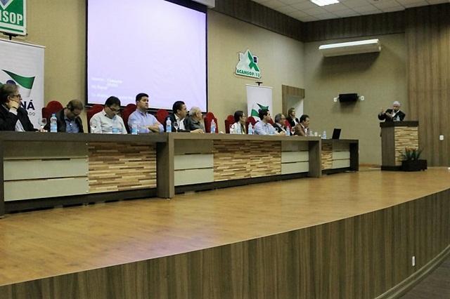 Lideranças regionais formaram a mesa de autoridades duante o evento. Foto: Divulgação Casa Civil Governo do Paraná
