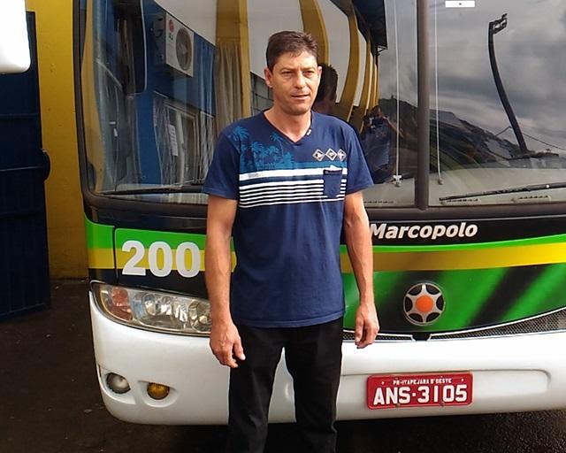 """""""Nunca vi tanta humildade como a desses meninos."""" Edgar Frank, motorista do ônibus que transporta a seleção. Foto: Evandro Artuzi/RBJ"""