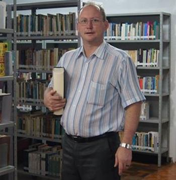 Padre Valdecir Bressani, diretor do Instituto de Filosofia Sapientia. Foto de divulgação