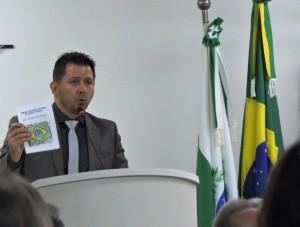 Dr. João Angelo Bueno conta sobre os trabalhos realizados pela Justiça Eleitoral.