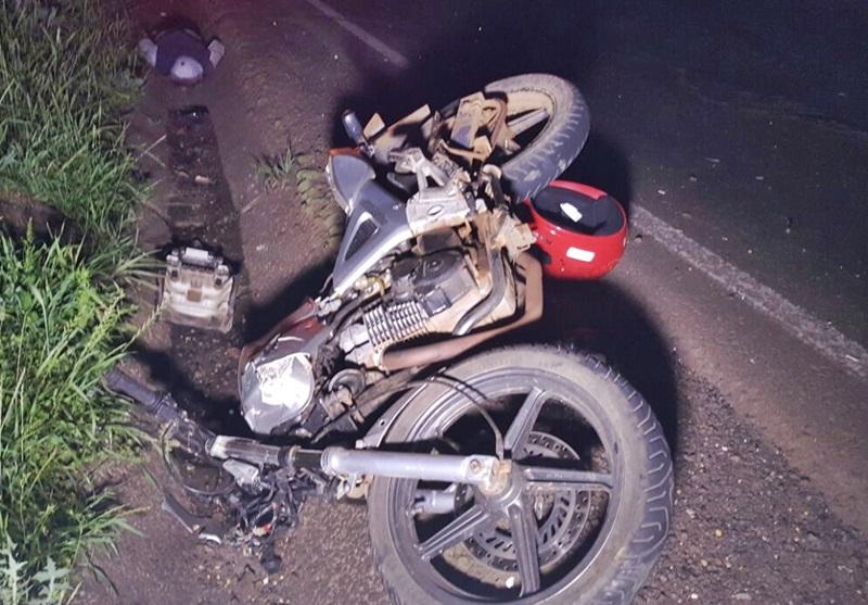 Moto que era pilotada pela vítima fatal. Foto: Polícia Rodoviária Estadual