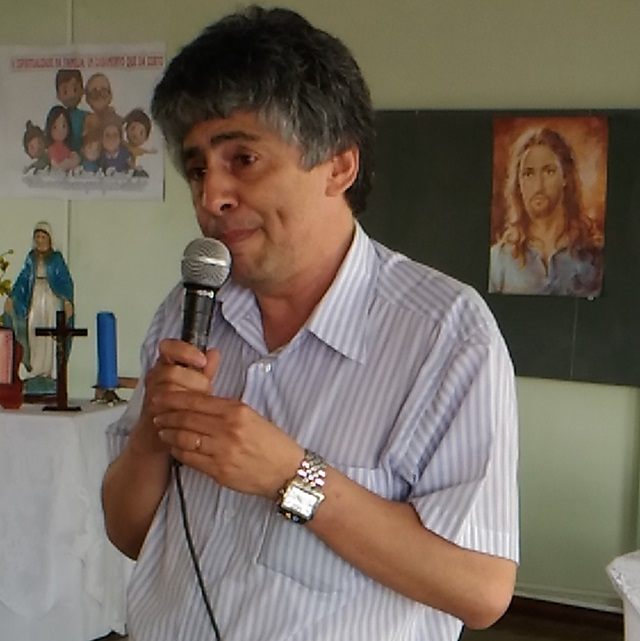 Valdir de Souza Oliveira, presidente do Sindicato coordenou a assembleia em Francisco Beltrão. Foto: Evandro Artuzi/RBJ