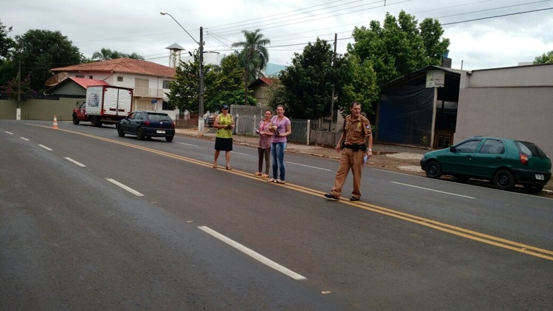 Equipe da Vigilância Sanitária e da Polícia Militar. Foto de divulgação
