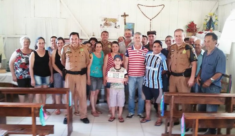 Reunião com famílias da comunidade Nossa Senhora Aparecida. Foto de divulgação