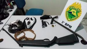 Objetos apreendidos pela Polícia Militar. Foto: Edson Zuconelli.