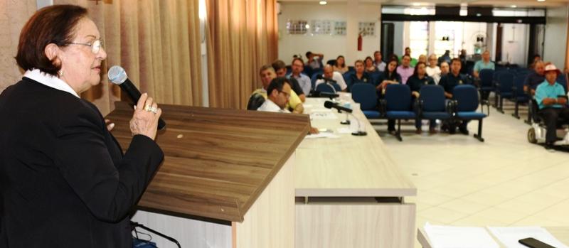 Presidente Elenir Maciel (PP) fez uso da Tribuna ao final da Sessão. Foto de divulgação