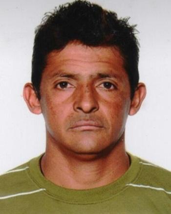 Luiz Carlos de Oliveira, 39 anos, conduzia a moto e morreu na hora.