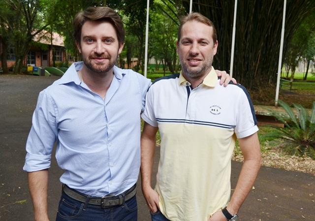 Jean e Alexandre pretendem visitar os cursos de engenharia da região Sudoeste. Crédito: Darce Almeida/Acefb.