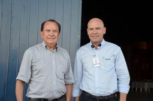 Na foto: Presidente da Coamo, José Aroldo Gallassini e o Gerente da Unidade local Evandro Luiz Câmara