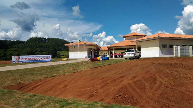 Estrutura da nova escola tem 853 m² de área construida e vai atender 120 crianças. Foto: Evandro Artuzi/RBJ