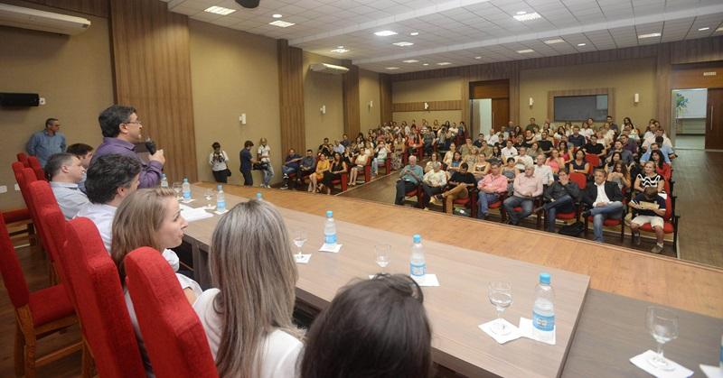Equipes das unidades de saúde premiadas lotaram o auditório da Amsop, em Francisco Beltrão. Foto: Venilton Küchler