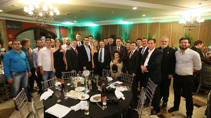Lideranças do Sudoeste, que compreende a Cacispar, na posse em Curitiba. Crédito: Gabriela Brandalise/Faciap