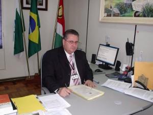 Algacir Teixeira de Lima.