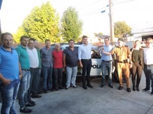Autoridades presentes durante a entrega da viatura. Foto: Edson Zuconelli.