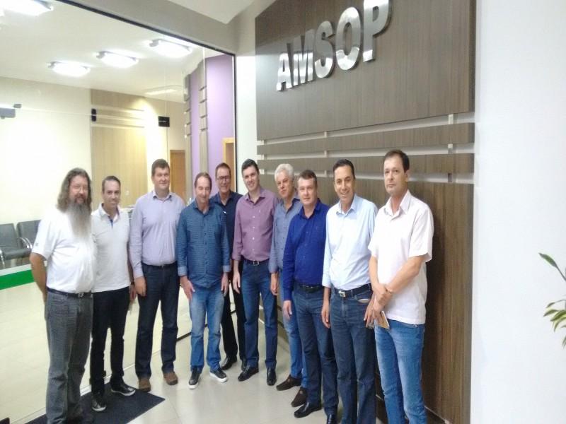 Reunião para debater o Aeroporto Regional/ Foto: Assessoria Amsop