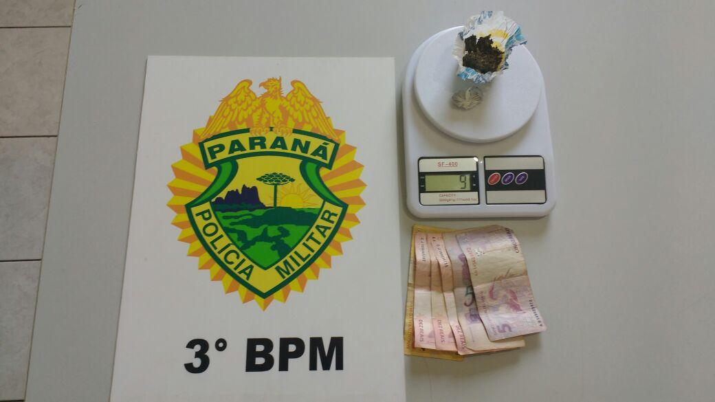 Droga apreendida com o cidadão. Foto: Polícia Militar.